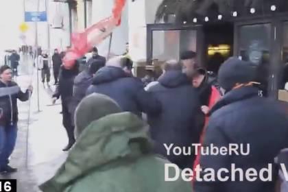 Гражданская война в России неизбежна…На улицах Москвы продолжается кровопролитие