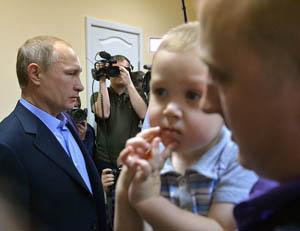 Глава Хакасии, почти полностью выгоревшей из-за лесных пожаров, попросил Путина посадить его «чуть попозже»