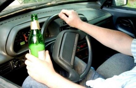 Пьяный подросток врезался автомобилем в пешеходов с младенцем. Есть погибшие