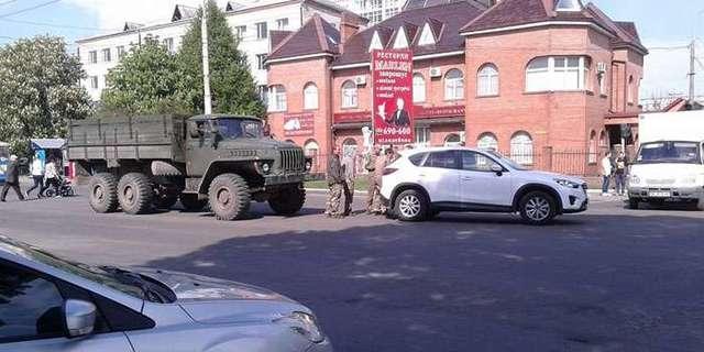 В Ривне пьяные военнослужащие «Уралом» протаранили джип