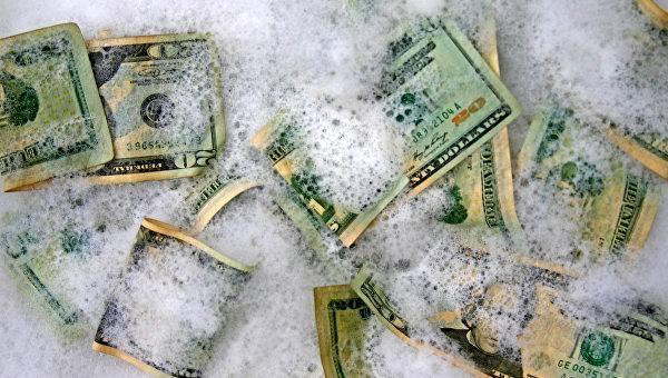 «Мытье» денег олигархами в оффшорах может закончиться купанием в крови всей Украины
