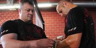 Тренер Федора Емельяненко попал в больницу