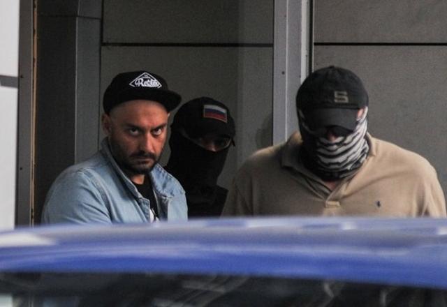 Руководителю «Гоголь-центра» предъявлено обвинение в мошенничестве. Задержание стало для него полной неожиданностью