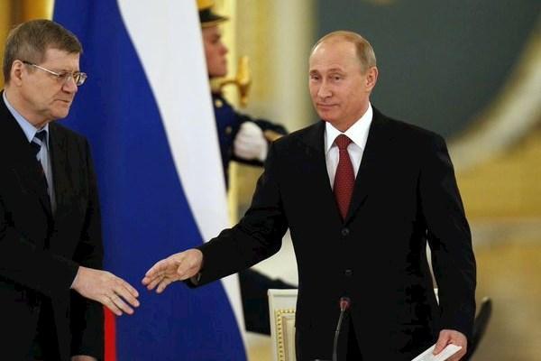Сын генпрокурора России напал на резиденцию Путина