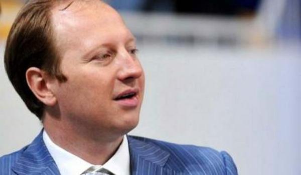 Одиозный банкир Дядечко сделал «Укрзализныцю» беднее на 220 млн грн