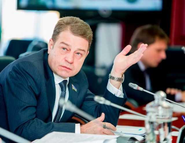 Как депутат из ХМАО Алексей Андреев зарабатывает примерно по миллиону рублей в день