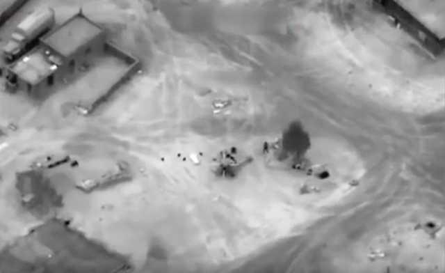 Опубликовано видео авиаудара США по подразделениям ЧВК «Вагнер» в Сирии