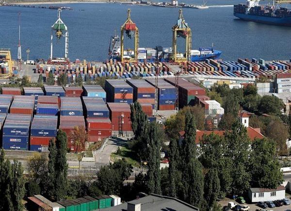 Грузы из порта Одессы нужно убирать