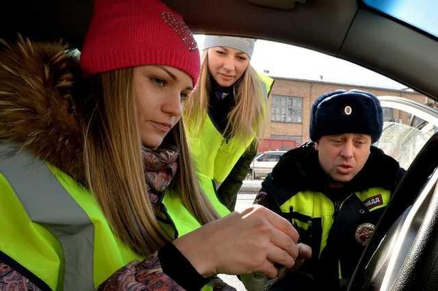 Вступили в силу изменения в ПДД. С 18 марта российских водителей обязали носить светоотражающие жилеты