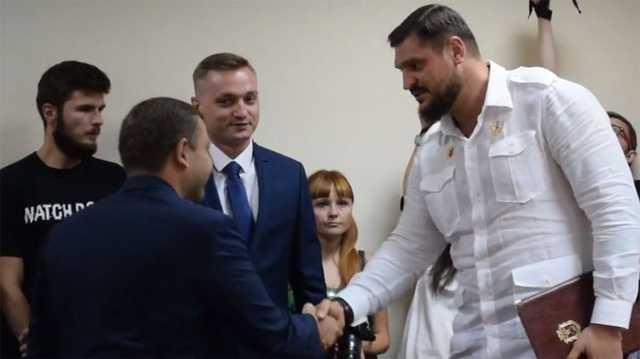 Шторм в Николаеве. Почему под губернатором-певцом Савченко закачалось кресло