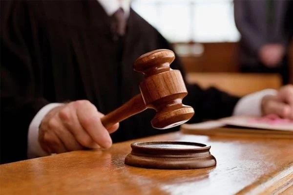 Суд арестовал российское судно за незаконную добычу песка в Черном море