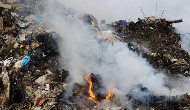 """Пасьянс из мусора. Почему горит """"закрытый"""" полигон """"Аннино"""""""
