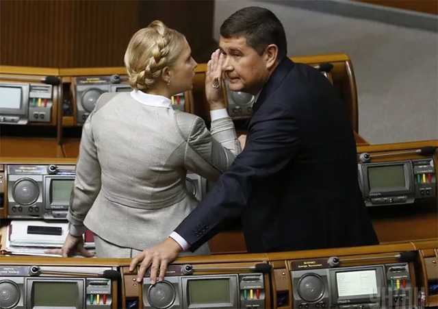 Онищенко заелся с Гнапом из-за компромата на Тимошенко