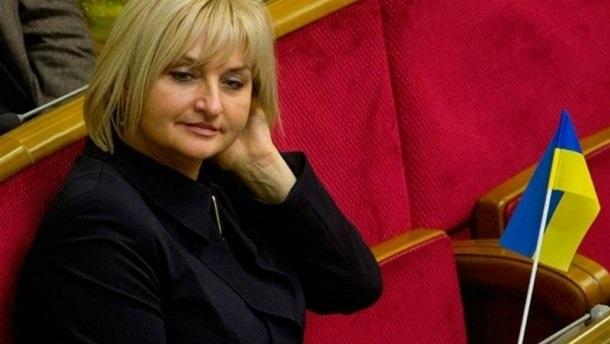 Жену генпрокурора уличили в кнопкодавстве