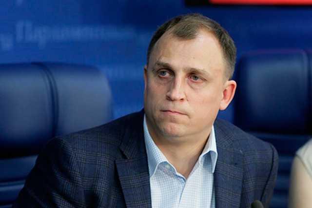 Депутат Госдумы России от Петербурга предложил изымать пойманных на митингах детей из семей