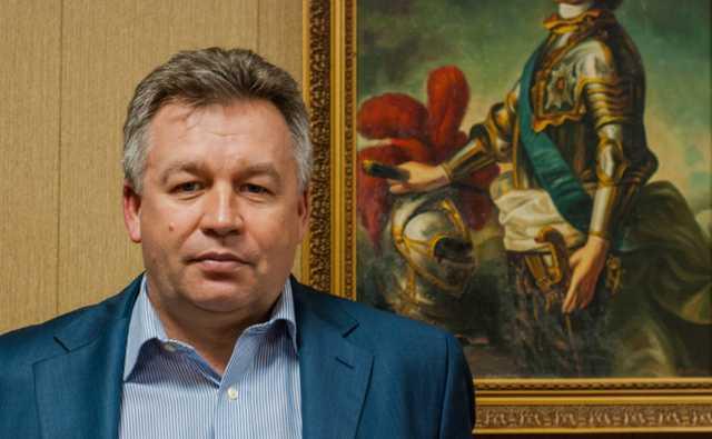 У главы службы Росморречфлота в ходе обысков изъяли 100 млн рублей и антиквариат