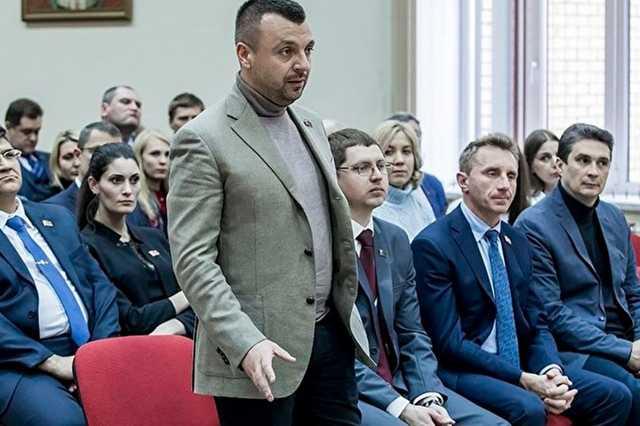 Глава Кузбасса отчитал лидера областного отделения КПРФ за водолазку