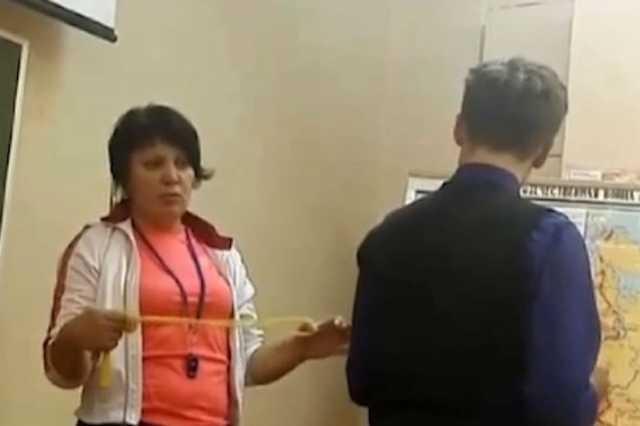 В Северодвинске отстранили от работы учительницу физкультуры, которая наказывала учеников скакалкой