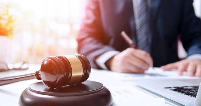Украл $50 тыс. – невиновен. Суд оправдал валютного «кидалу»
