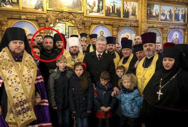 Скандальный Петровский в 2017 году был награжден пистолетом и знаком отличия президента