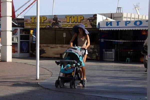 Калужский губернатор Артамонов предложил стимулировать россиянок чаще рожать детей