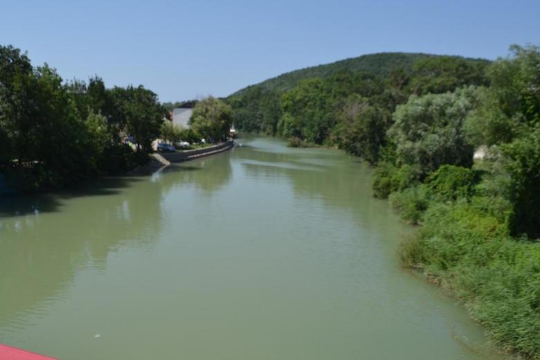 река.jpeg